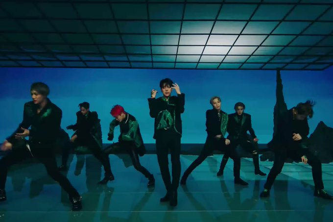 "SuperM Tampil Kuat Dalam Teaser MV ""One (Monster & Infinity)"""